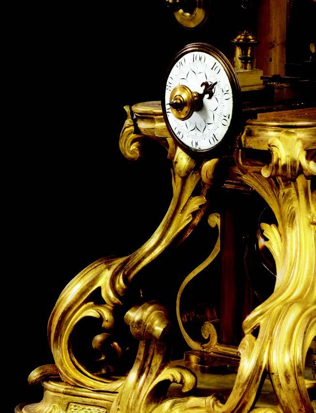 Rare microscope en bronze doré et verni, ciselé et ajouré de feuillages et rocailles attribué à Jacques Caffiéri et Claude-Siméon Passemant, époque Louis XV.