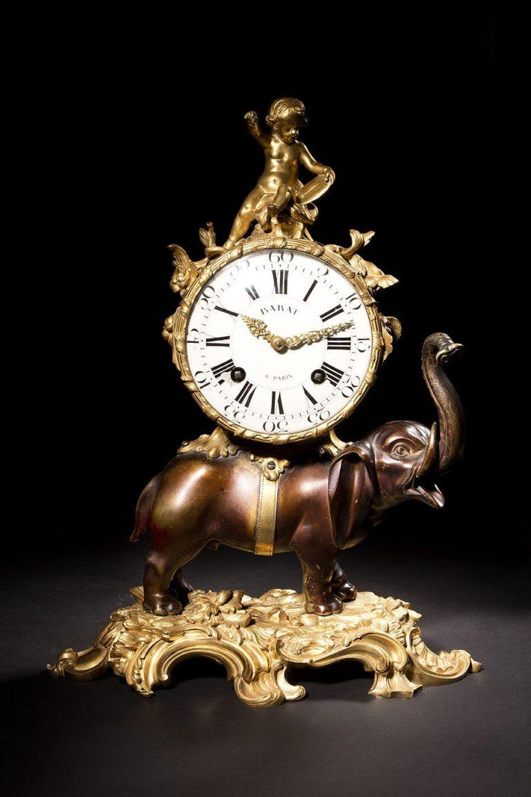 Pendule à l'éléphant en bronze patiné et doré - Jean-Joseph de Saint Germain et Pierre Philippe Barat