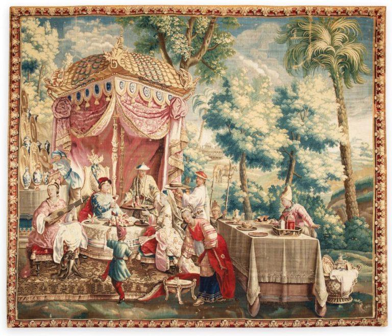 Tapisserie de l'Histoire de l'Empereur de Chine représentant La Collation, signée de Guy Louis Vernansal (1648-1729).